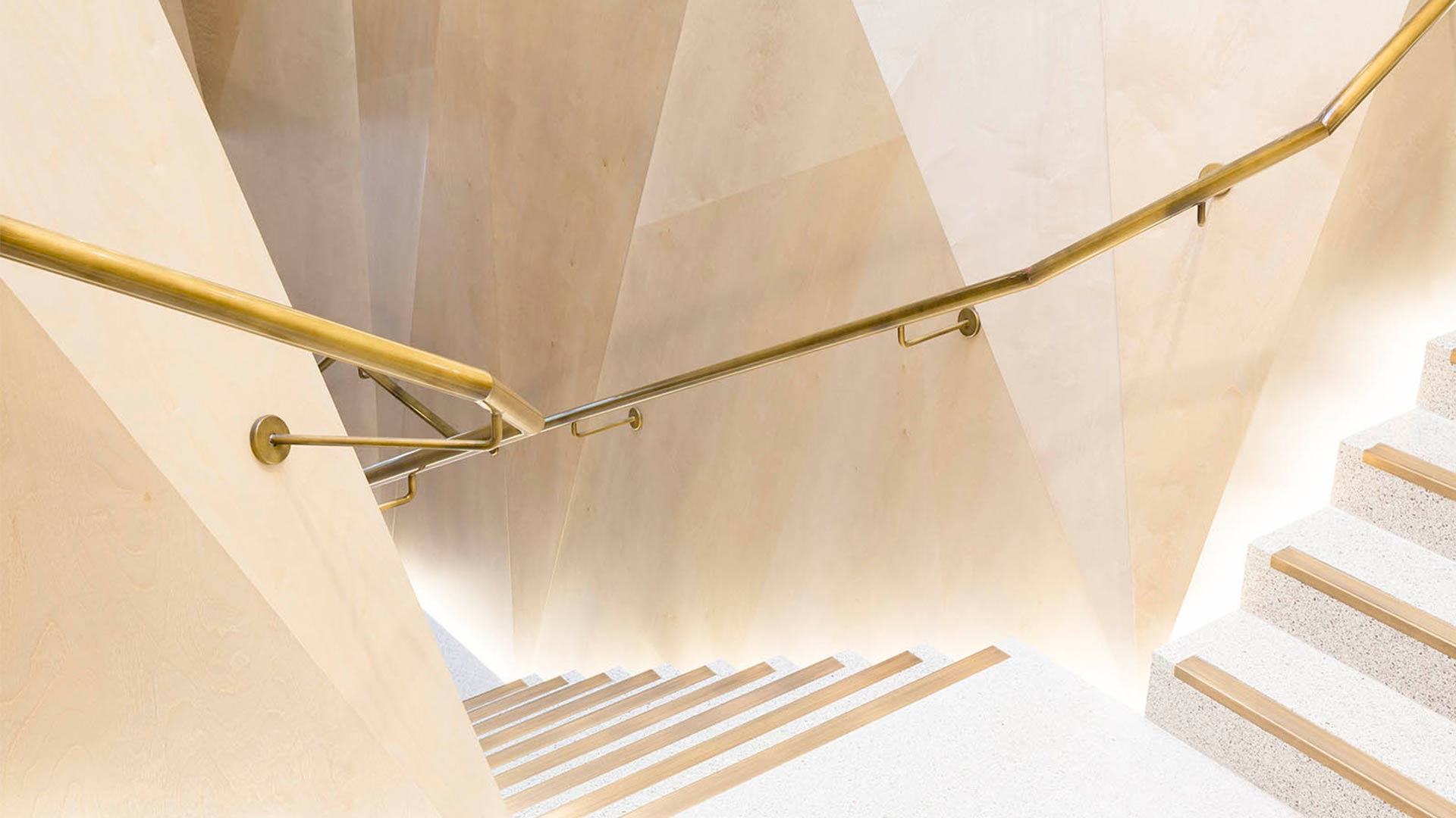 Faceted Walls Uplighting Staircase Fashion Store Interior Light Nulty