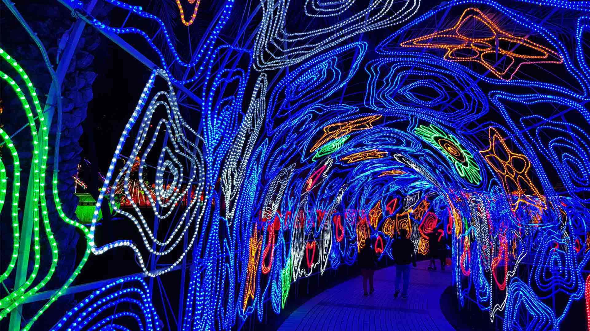 Dubai Garden Glow Light Tunnel Installation Colour Experience