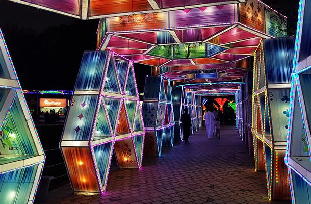 Dubai Garden Glow Passageway Light Installation