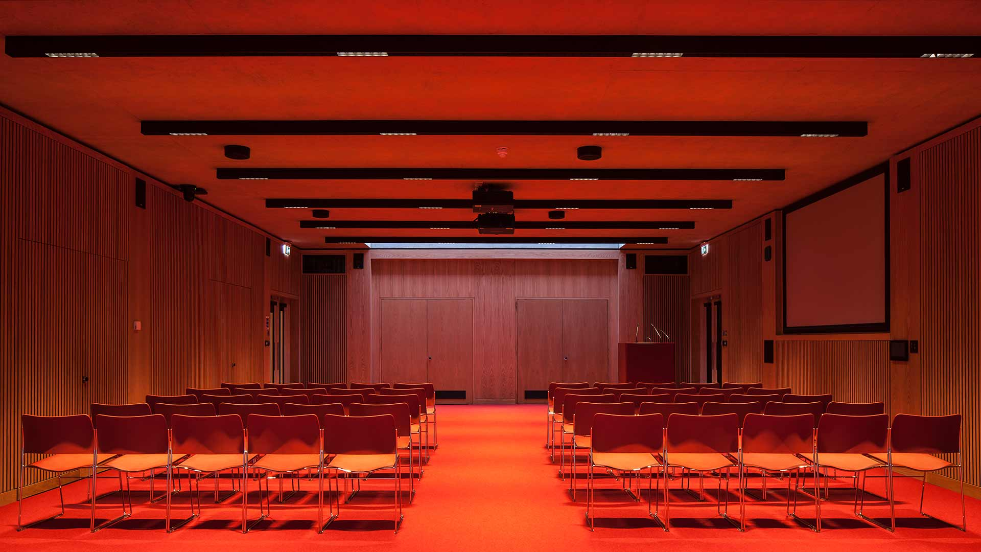 Lighting Design Striking Modern University Lecture Hall Theatre Consultants Nulty