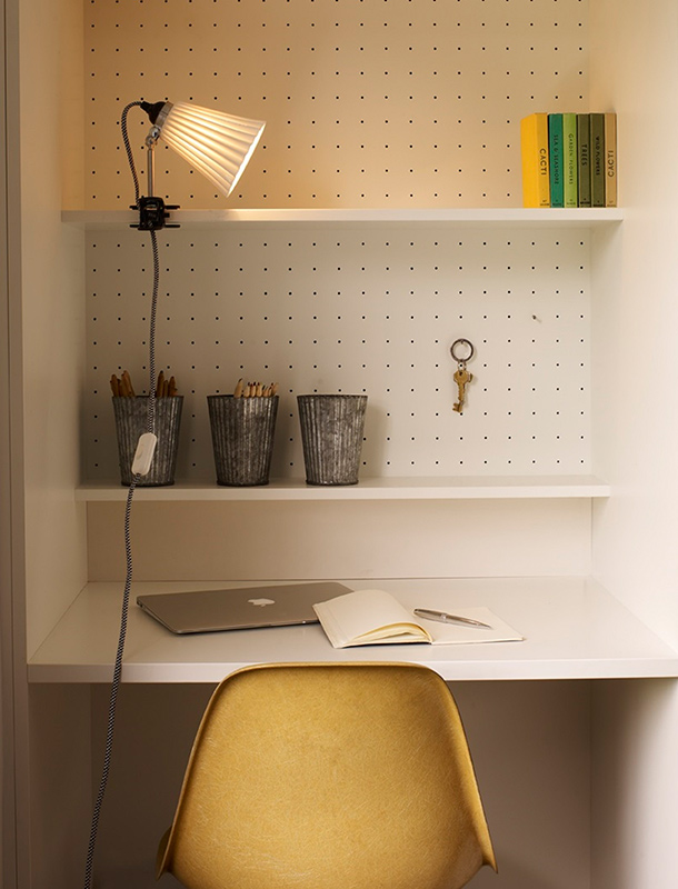 Original BTC Hector Pleat Medium Dome Clip Light Lighting Your Home Office